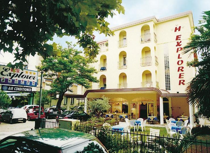 Hotel Explorer
